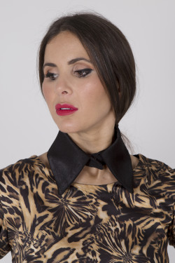 Cuello Animal print